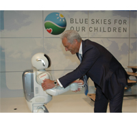 ASIMO meeting Dr. Peter Ramsauer, Federal Minister for Transport, Construction and City Development.
