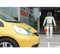 ASIMO traveled to Romania this weekend to attend a green driving challenge organized by Honda Trading Romania.