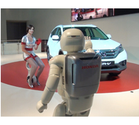 ASIMO, joined by the U3-X for the first time ever in Europe, is performing at the Moscow International Automobile Salon for almost two weeks.